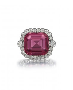 Hope Spinel surrounded by diamonds. Photo courtesy Bonhams.